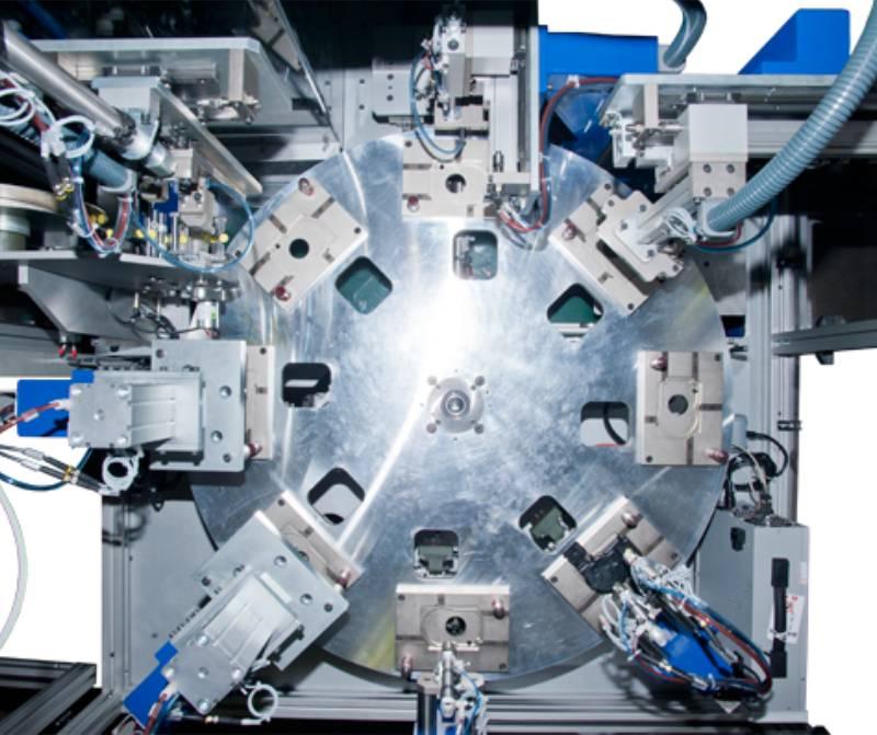 maquina-montaje-fugado-tapa-motor